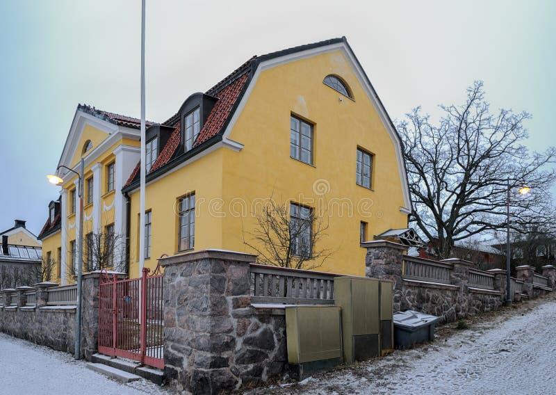 Biskops hus på domkyrkafyrkant i Porvoo, Finland arkivfoton