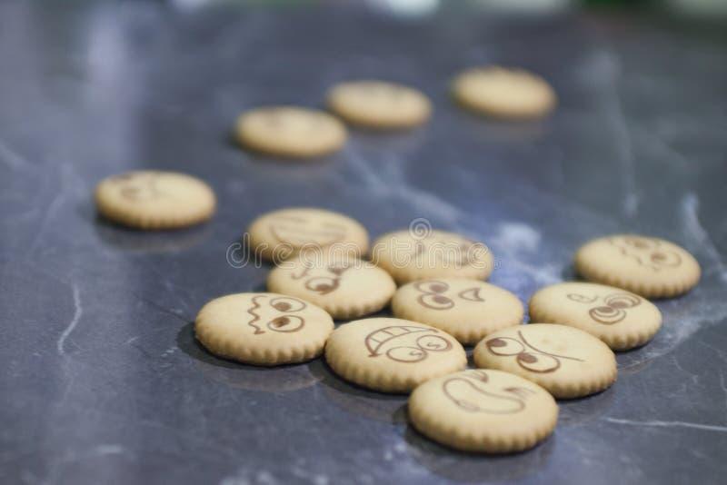 Download Biskuite mit Tee stockfoto. Bild von tapete, becher, orange - 90231404