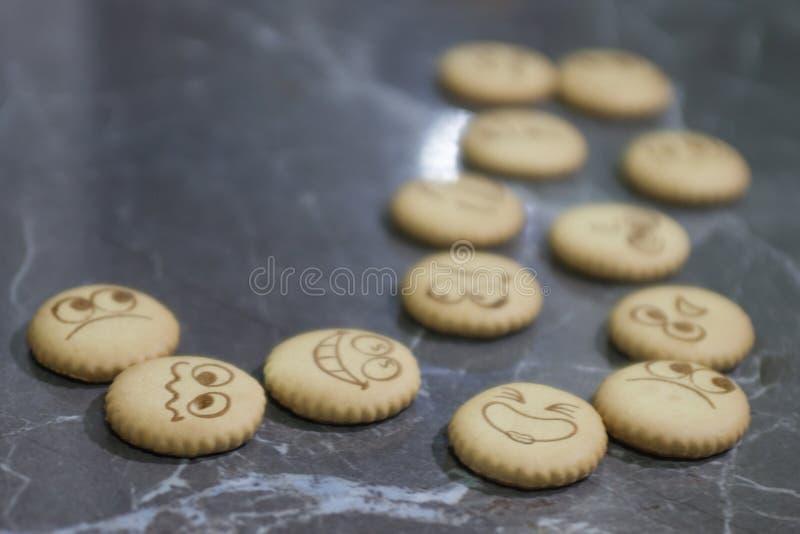 Download Biskuite mit Tee stockfoto. Bild von getränk, schwarzes - 90232124