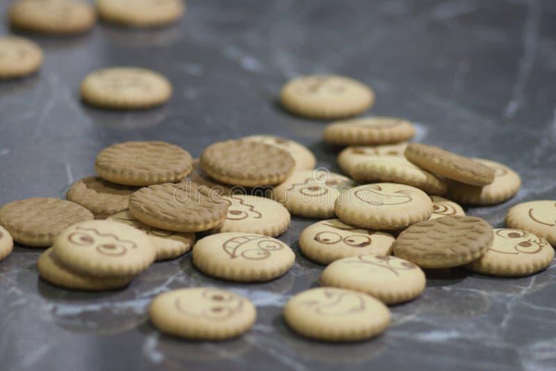 Download Biskuite mit Tee stockbild. Bild von frühstück, aromatisch - 90233073