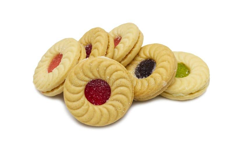 Biskwitowi kanapki masła ciastka z śmietanką i mieszanymi owoc flavoured przyskrzyniają obrazy stock