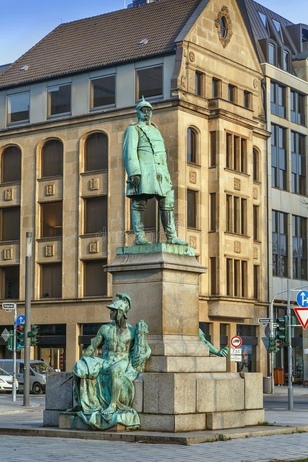 Bismarck-Monument, Dusseldorf, Deutschland lizenzfreie stockfotos
