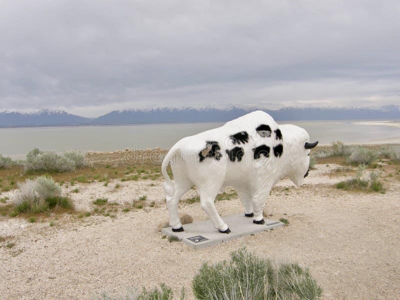 Bison Buffalo Statue på antilopödelstatsparken, Salt Lake City, Utah royaltyfri bild