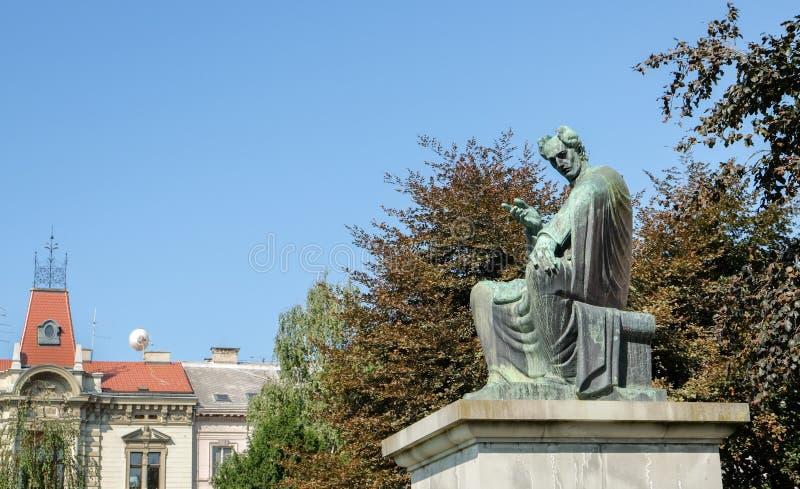 Bispo de Josip Juraj Strossmayer e monumento do benfeitor no parque do quadrado de Strossmayer em Zagreb imagens de stock royalty free