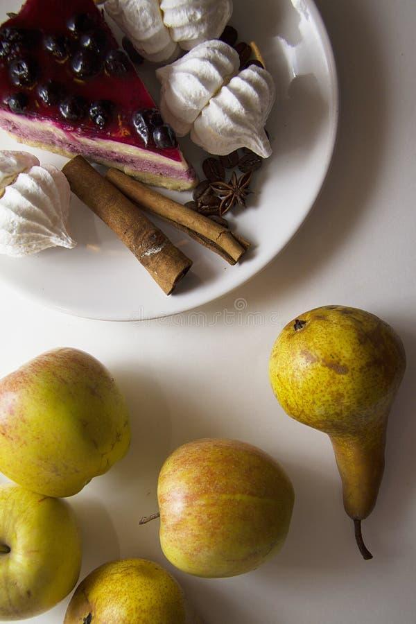 Bisquits en vruchten 04 royalty-vrije stock afbeeldingen