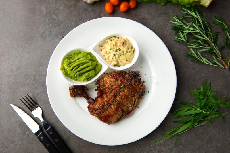Bistecca arrostita della bacchetta di pollo immagine stock