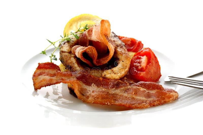 Bistecca cotta della carpa sulla patata organica fotografia stock libera da diritti