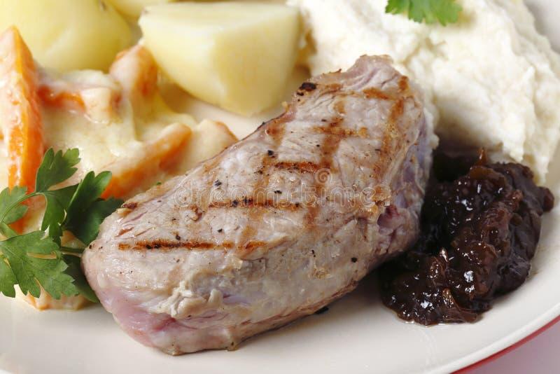 Bistecca del vitello con le verdure gastronomiche, fotografia stock