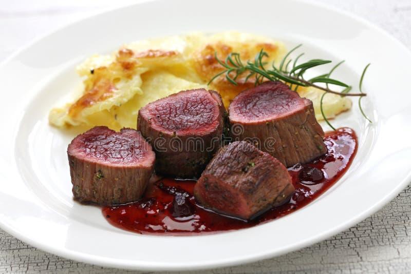 Bistecca della carne di cervo fotografia stock libera da diritti