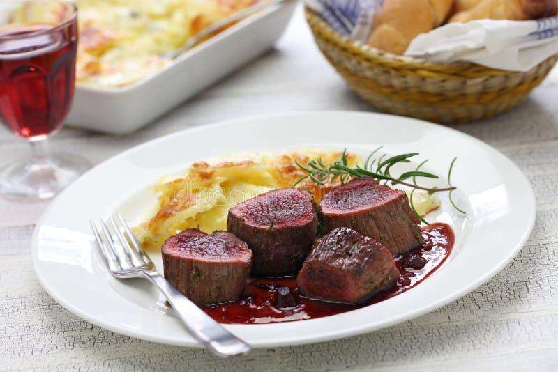 Bistecca della carne di cervo immagini stock libere da diritti