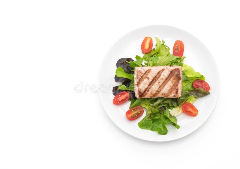 Bistecca di tonno con insalata fotografie stock libere da diritti