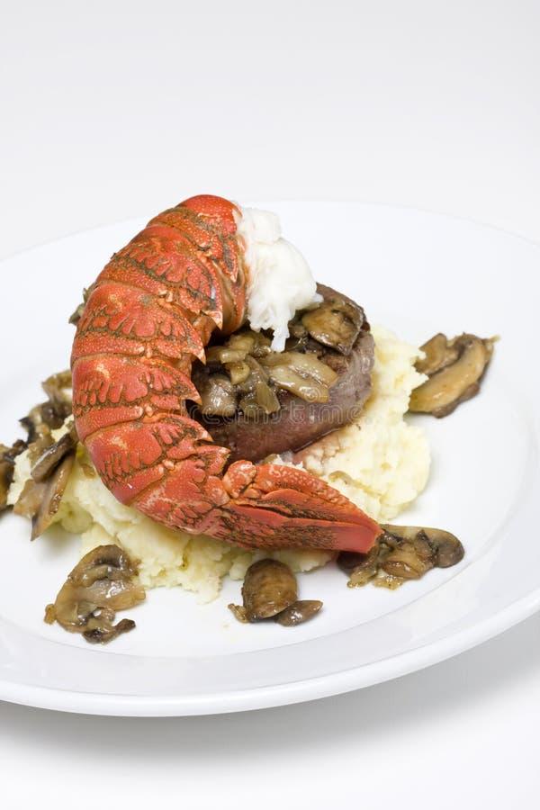 Bistecca ed aragosta di raccordo fotografie stock libere da diritti
