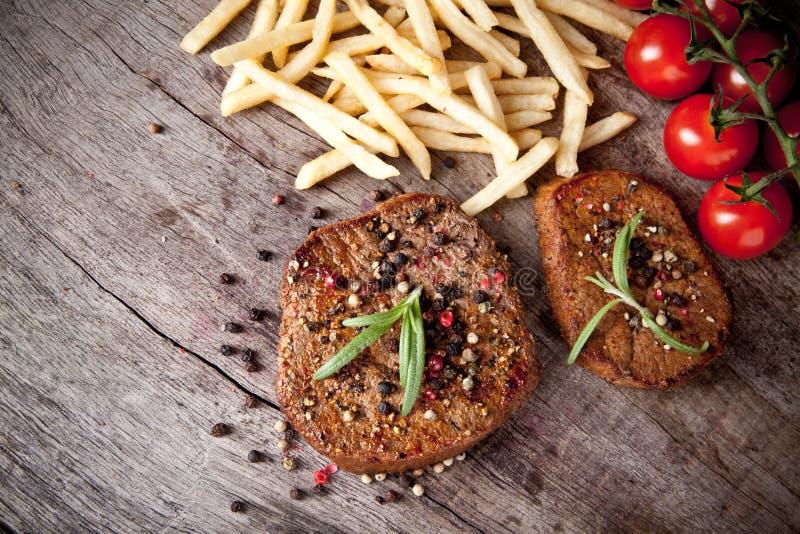 Bistecche di manzo fotografia stock libera da diritti