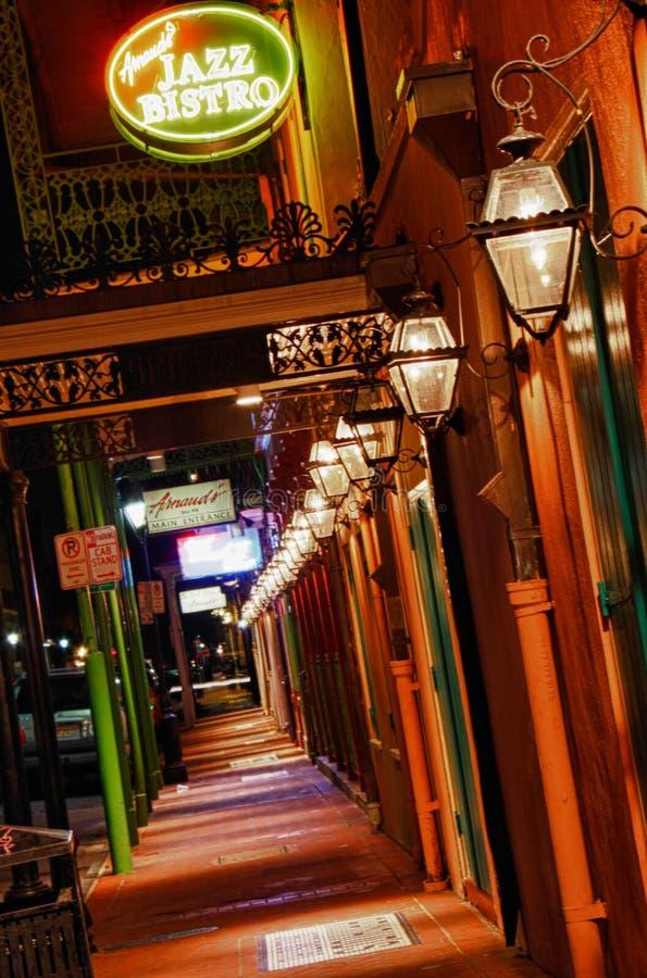 Bistros del jazz de Arnaldo del barrio francés de New Orleans fotografía de archivo