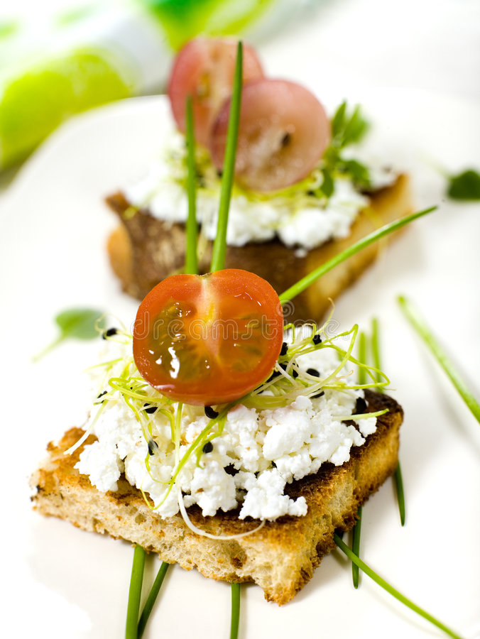 Bit. Sandwiches withcottage cheese fruit and vegetables stock photography
