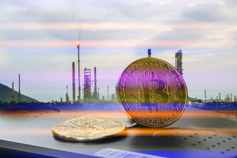 Bitcoin和其他数字象征是2018's对月发射 免版税库存照片