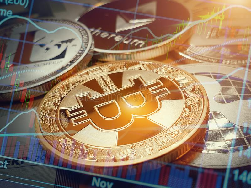 Bitcoin και άλλα νομίσματα πέρα από την ευρο- γραφική παράσταση τραπεζογραμματίων και χρηματιστηρίου στοκ φωτογραφία με δικαίωμα ελεύθερης χρήσης