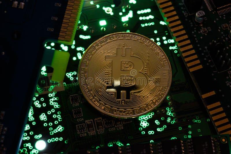 Bitcoin avec la carte photo stock