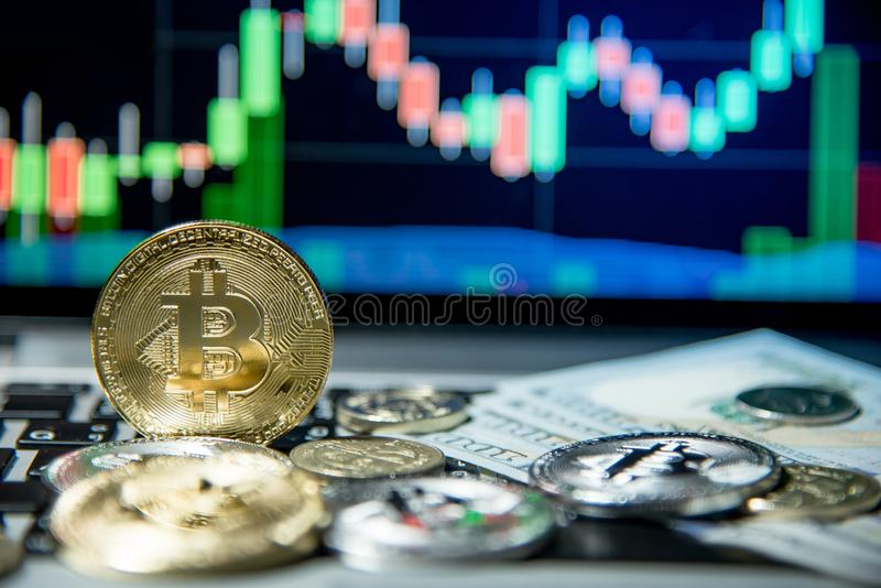 Bitcoin avec le graphique de chandelier, le cryptocurrency et le payme numérique image stock