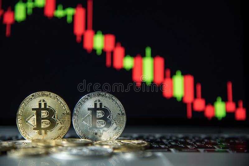 Bitcoin avec le graphique de chandelier, le cryptocurrency et le payme numérique photographie stock
