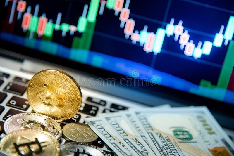 Bitcoin avec le graphique de chandelier, le cryptocurrency et le payme numérique photo stock