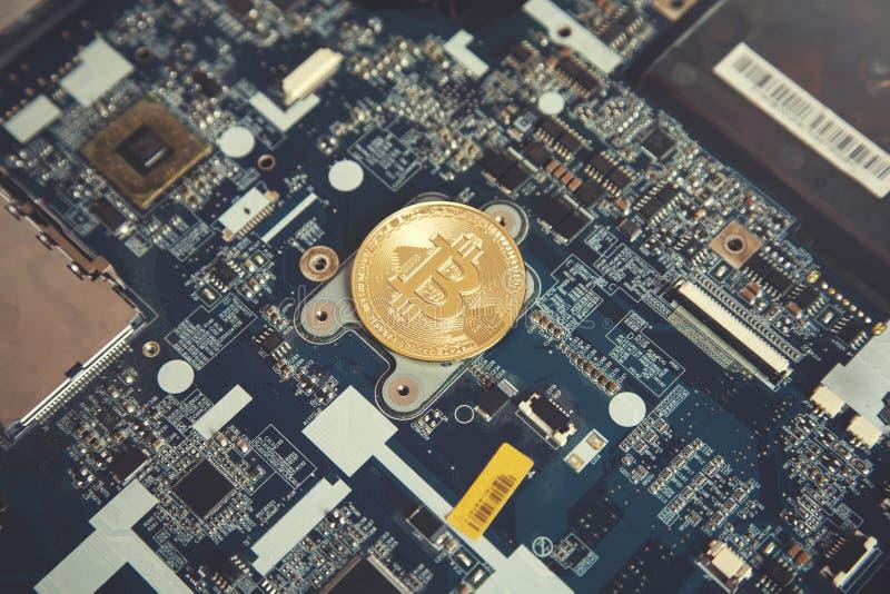 Bitcoin-Bergbaukonzept lizenzfreies stockbild