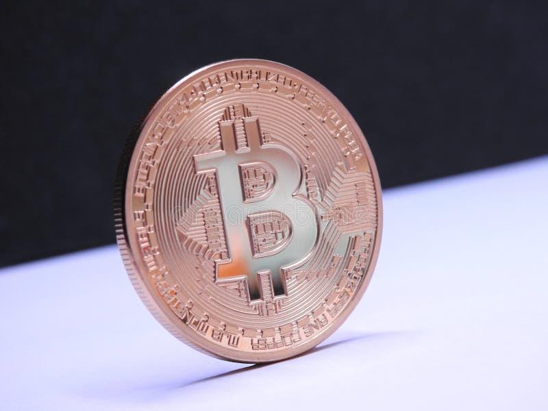 Bitcoin blanco y negro imagenes de archivo