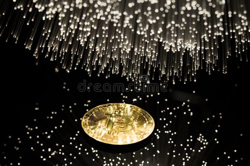 Bitcoin com corrente foto de stock