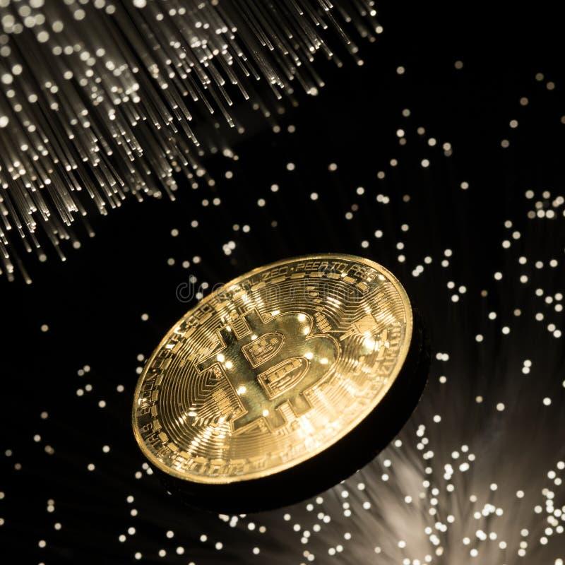 Bitcoin com corrente fotos de stock royalty free