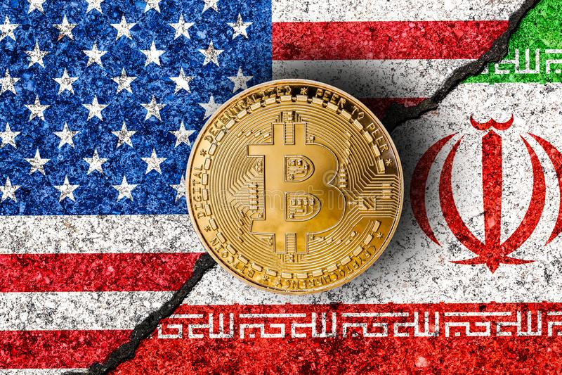 Bitcoin com iraniano e bandeiras dos EUA no fundo/confli de Irã EUA imagens de stock