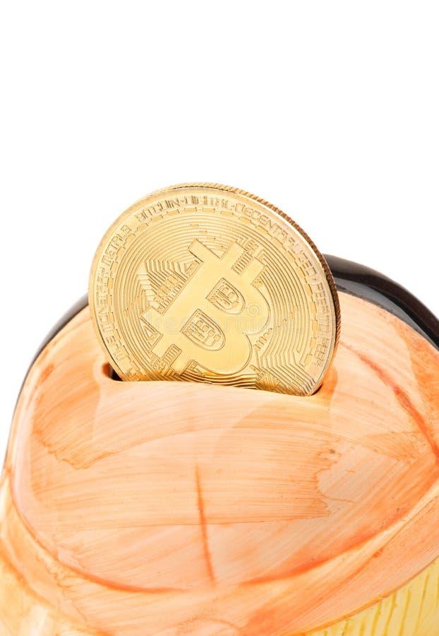 Bitcoin con la hucha imagen de archivo libre de regalías