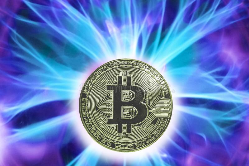 Bitcoin cryptocurrency诞生或叉子  免版税库存图片