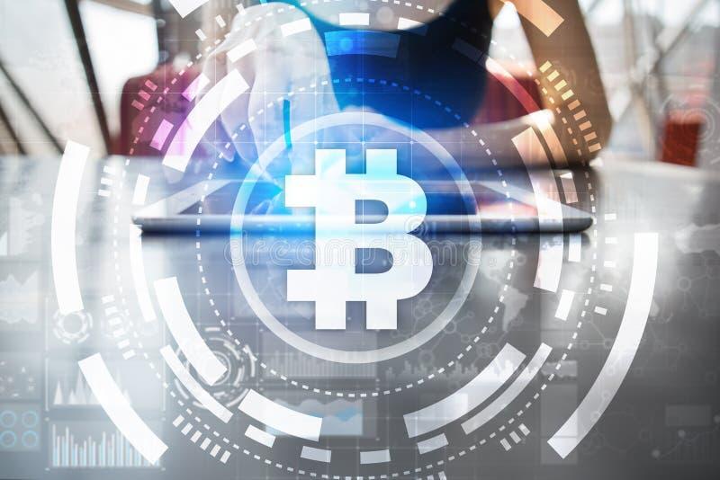 Bitcoin-cryptocurrency Finanztechnologie Internet-Geld Die goldene Taste oder Erreichen für den Himmel zum Eigenheimbesitze stockbild