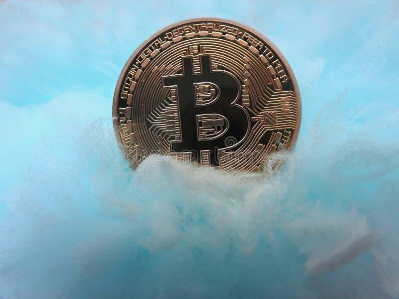 Bitcoin cuidado en exceso imagen de archivo