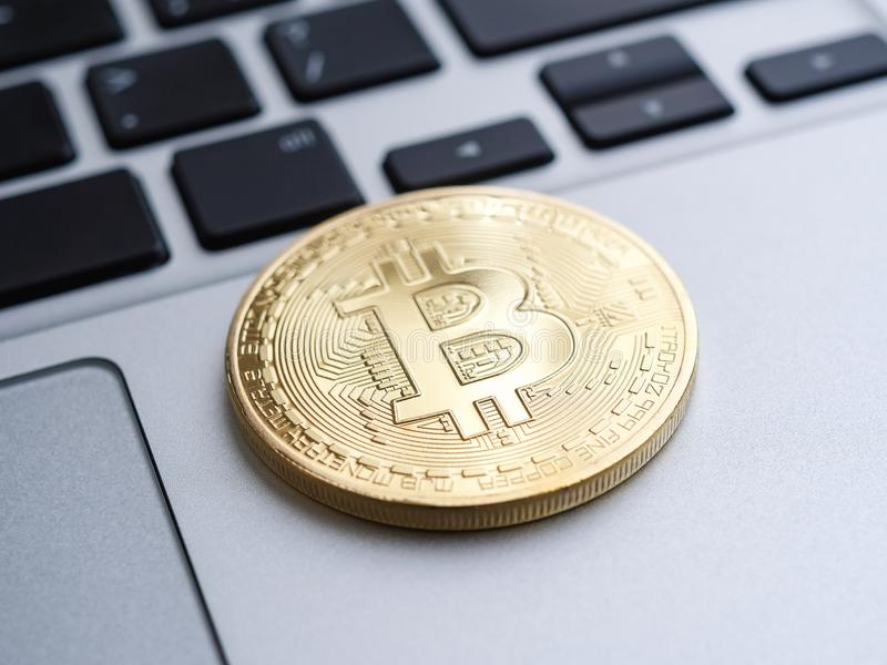 Bitcoin d'or image stock