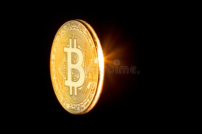 Bitcoin d'or a isolé photographie stock