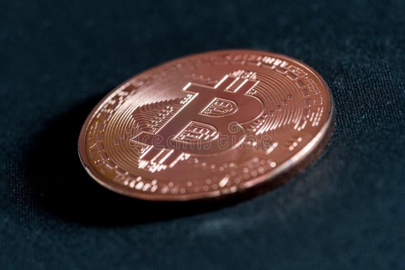 Bitcoin de crypto-devise de pièce de monnaie en cuivre photographie stock libre de droits