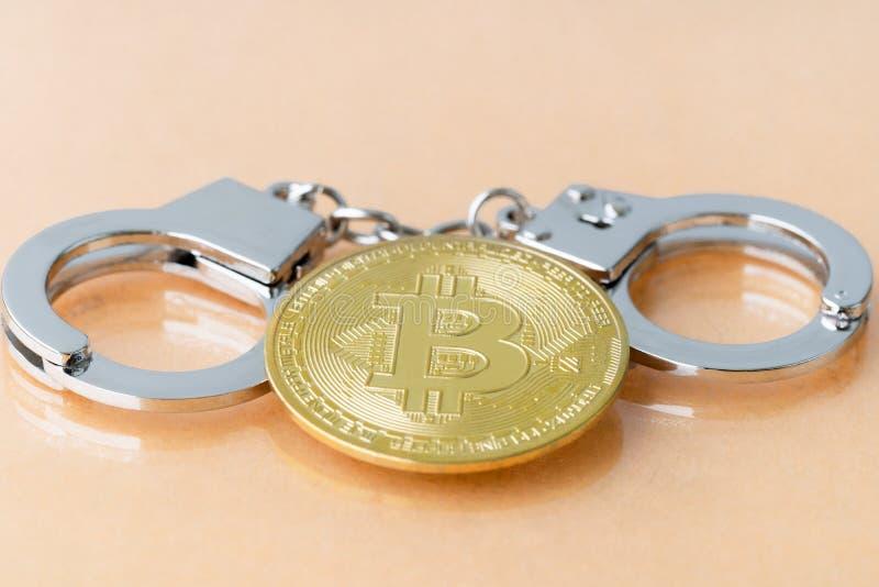 Bitcoin e algemas fotografia de stock