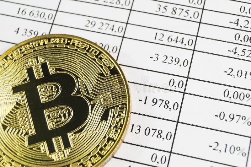 Bitcoin is een moderne manier van uitwisseling en deze crypto munt stock foto's
