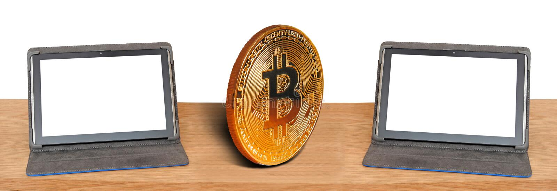 Bitcoin em linha do Internet do computador que troca comunicações internacionais da Web global fotografia de stock