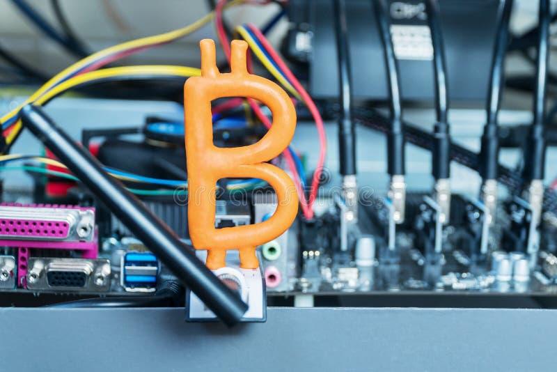 Download Bitcoin en el ordenador imagen de archivo. Imagen de hardware - 100527991