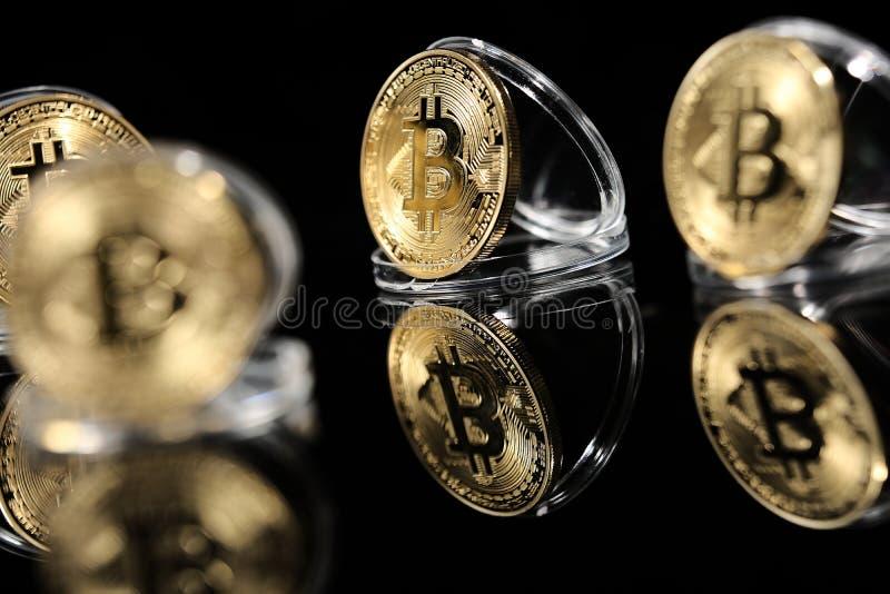 Bitcoin en su caso imagen de archivo libre de regalías