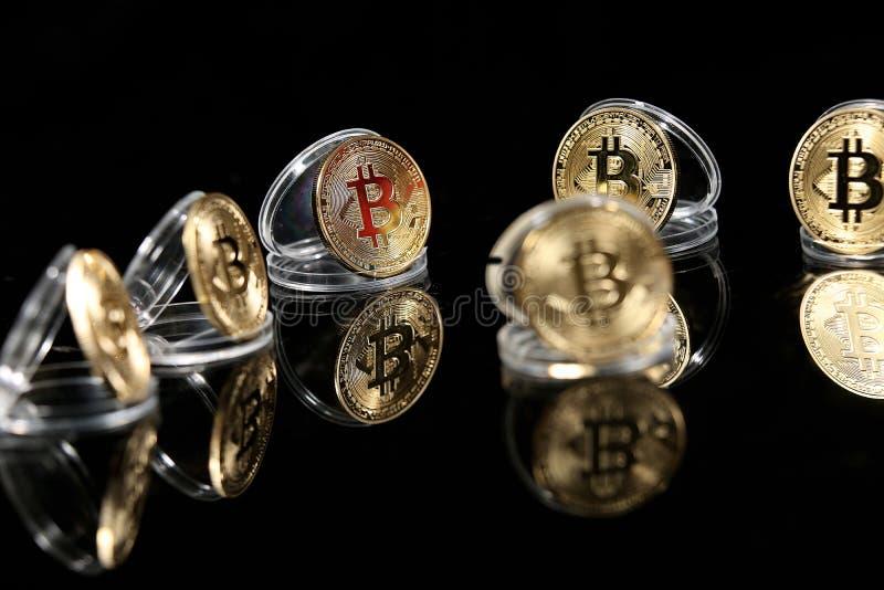 Bitcoin en su caso imagenes de archivo