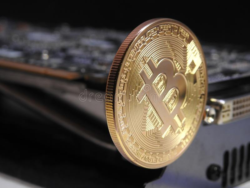 Bitcoin en unidad central de los gráficos o GPU fotografía de archivo libre de regalías