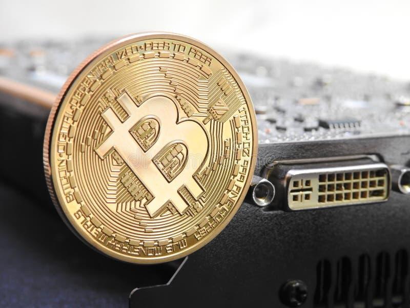 Bitcoin en unidad central de los gráficos o GPU fotografía de archivo
