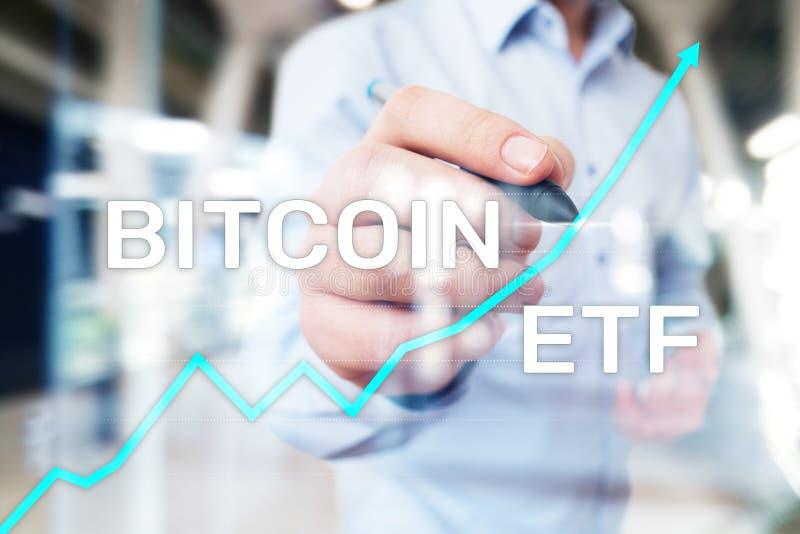 Bitcoin ETF,交换换了在虚屏上的资金和cryptocurrencies概念 图库摄影