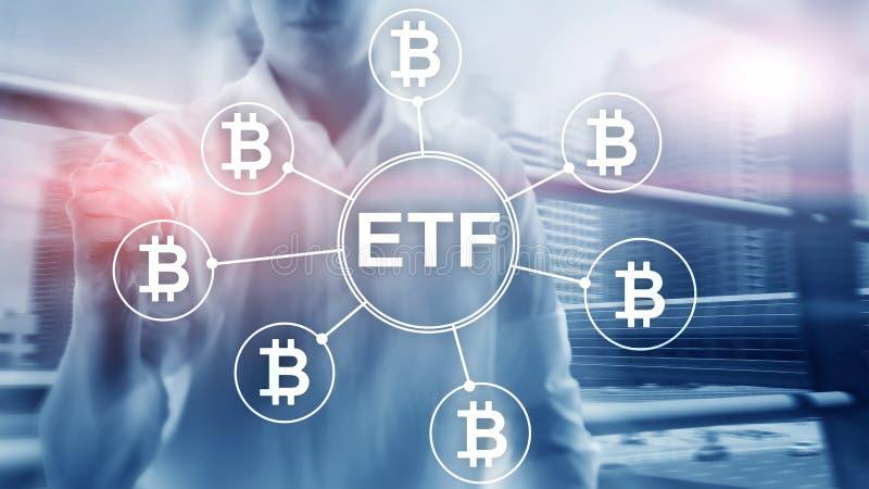Bitcoin ETF cryptocurrencyhandel och investeringbegrepp p? bakgrund f?r dubbel exponering arkivbild