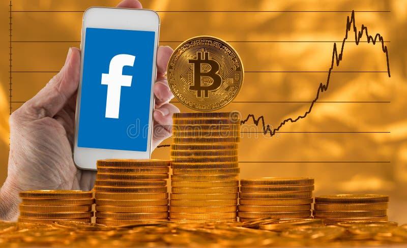 Bitcoin gegen Hintergrund des Preisdiagramms mit Facebook-Waageauswirkung lizenzfreie stockbilder