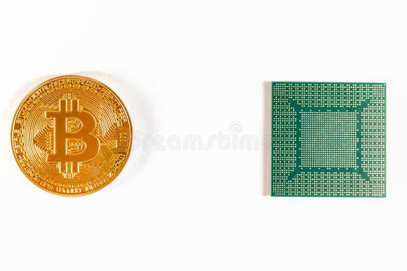 Bitcoin guld- mynt och video chip Crypto valuta arkivbild