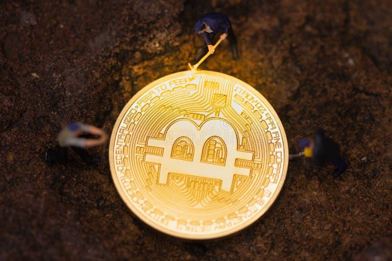 Bitcoin kopalnictwo Cryptocurrency górniczy pojęcie fotografia stock